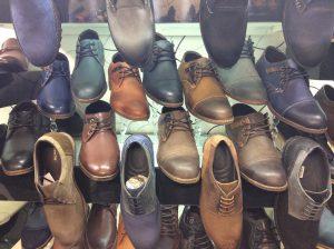 فروش کارتنی انواع کفش درتهران